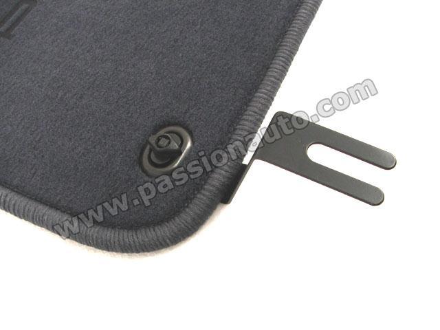 jeu de piece de fixation tapis qualit 964 993 passionauto com passionauto com. Black Bedroom Furniture Sets. Home Design Ideas