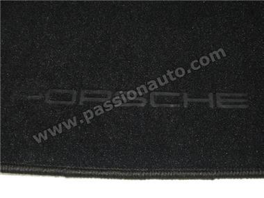 tapis de sol noir qualit 924 944 968 passionauto com passionauto com. Black Bedroom Furniture Sets. Home Design Ideas